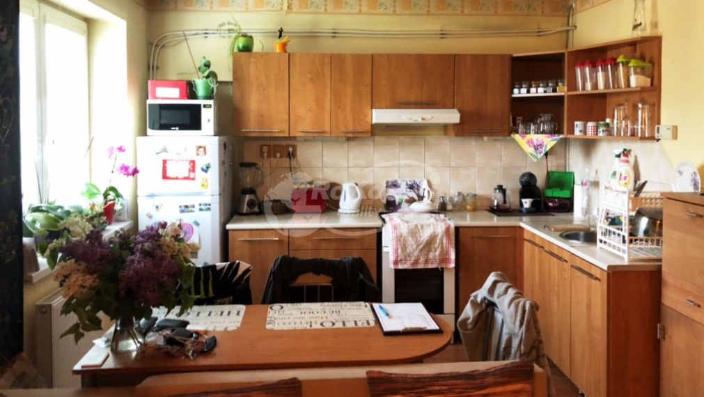 2 izbový byt s balkónom, Jarná ulica, Rožňava