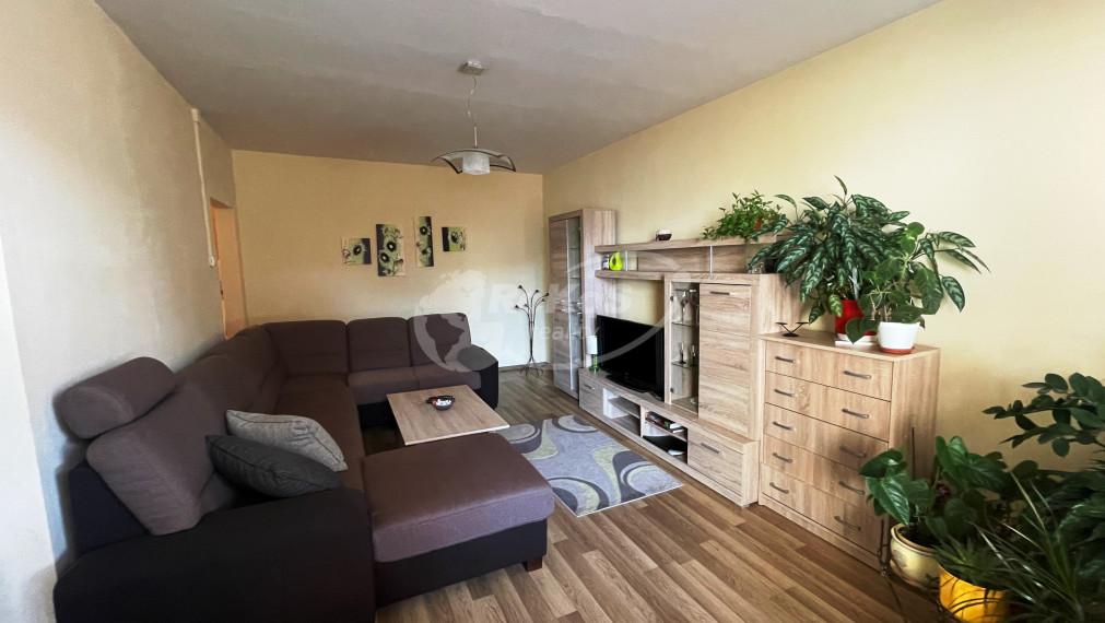 Slnečný 3 izbový byt s balkónom, Šafárikova ulica, Rožňava